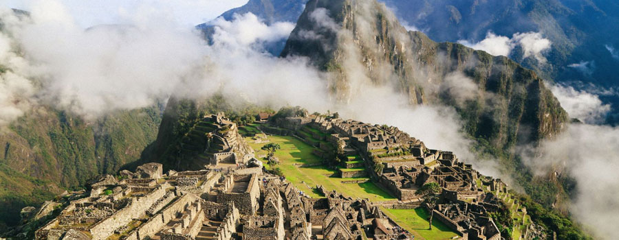 Machu Picchu and Huayna Picchu by Train 2 Days 1 Night